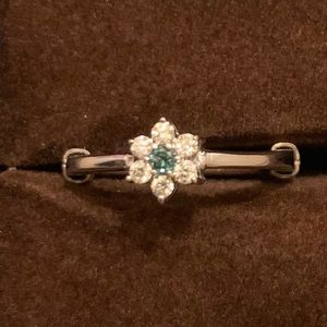 14K Adjustable Flower Ring with Emerald